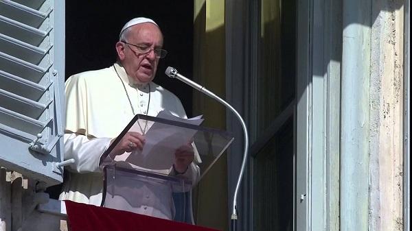"""Angelus, l'appello del Papa a Parigi   """"Fermare i cambiamenti climatici"""""""