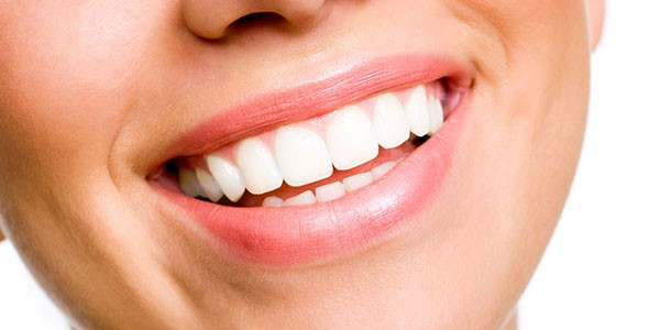 un-super-smalto-al-fluoro-contro-la-carie-novita-per-chi-ha-paura-dei-dentisti