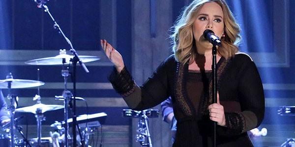 Adele regina dei record batte anche PSY