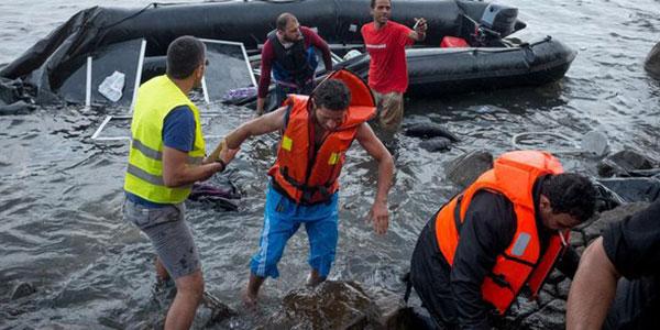 Barcone naufraga a largo dell'isola di Samos | Diversi morti tra cui un bambino e 4 donne