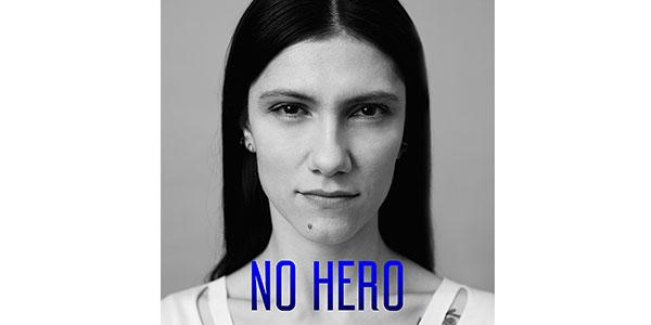 """Elisa torna a cantare in inglese con """"No Hero"""", il singolo già in vetta alle classifiche"""