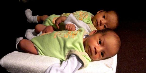 Tumore, se uno dei gemelli si ammala rischia anche l'altro