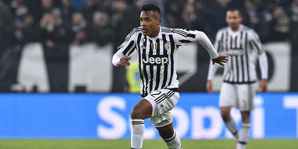 Juventus attenta: il Chelsea disposto a fare follie per Alex Sandro