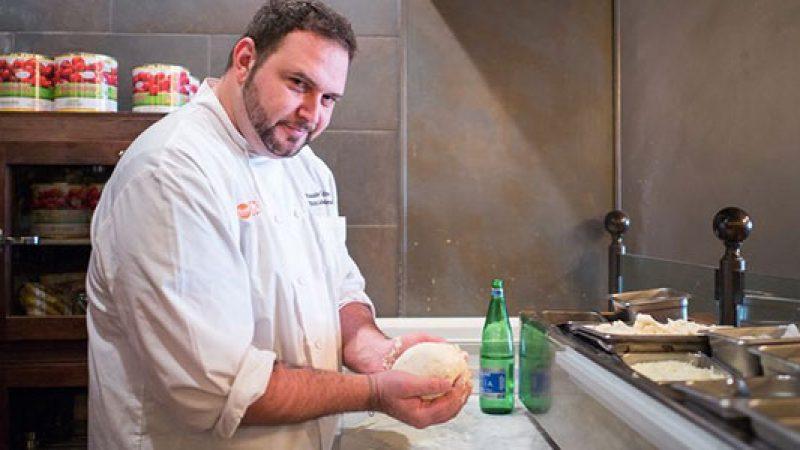 """""""Ho perso 50 kg mangiando solo pizza"""", lo chef Pasquale Cozzolino conquista New York"""
