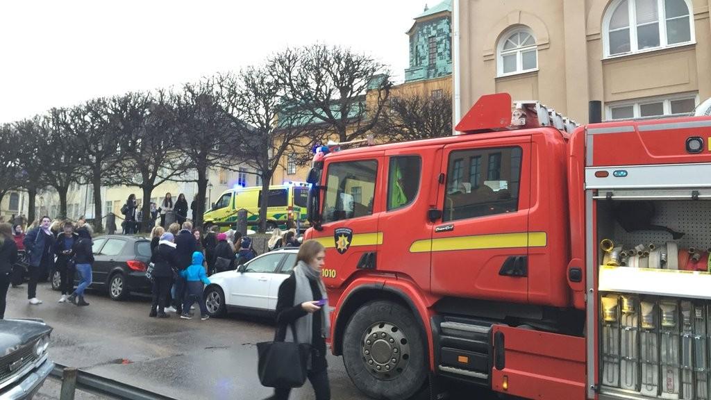 Svezia, sparatoria in un centro commerciale | Ferita una persona, l'aggressore è fuggito