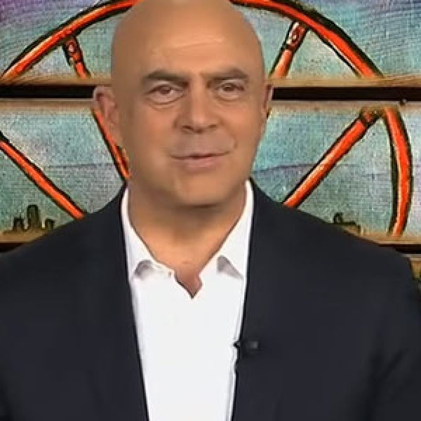 La copertina di Maurizio Crozza a DiMartedì del 9 febbraio 2016 /VIDEO