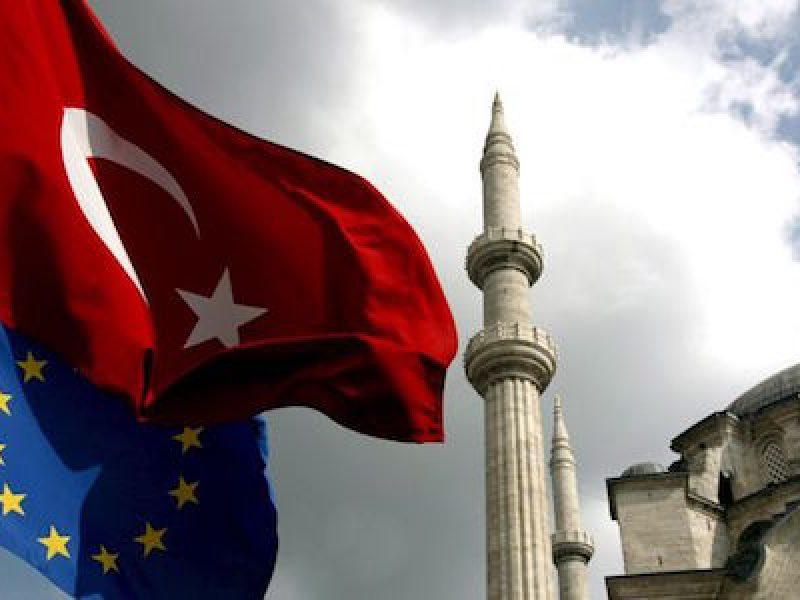 L'Akp terrà un congresso straordinario il 22 maggio per eleggere il suo successore