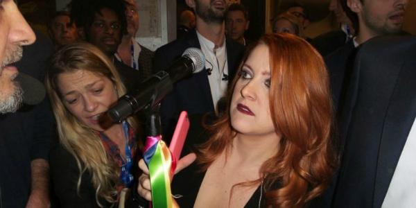 Sanremo 2016, Noemi, Arisa, Fornaciari e Ruggeri pro unioni civili: i nastri arcobaleno colorano l'Ariston