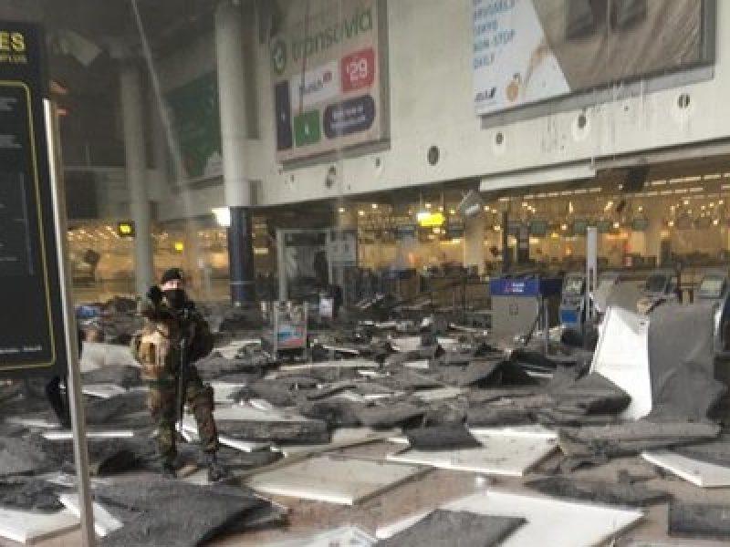 Aeroporto Bruxelles attentato, perchè sono stati ancticipati gli attacchi di bruxelles, terrorismo attacchi di bruxelles anticipati, anticipati attacchi di bruxelles, attacchi di bruxelles anticipati