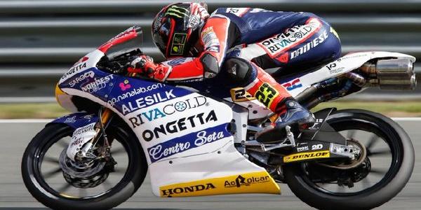 Moto3, Qatar: Antonelli conquista la prima vittoria al fotofinish. Corsi terzo in Moto 2