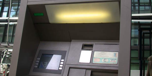 4 arresti assalti bancomat, arresti assalti bancomat, arresti bari, assalti bancomat, due arresti Bari, minervino murge