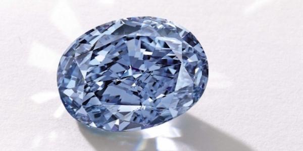Hong Kong, all'asta il diamante blu dei sogni | Può essere venduto a più di 30 milioni di dollari