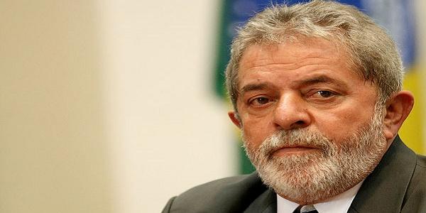 Il Brasile protesta per il 'salvataggio' di Lula | Il Giudice federale sospende la nomina a ministro