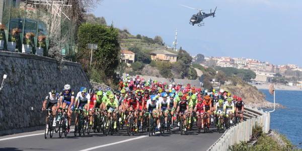 Ciclismo, Milano-Sanremo, a sorpresa in volata si impone Démare