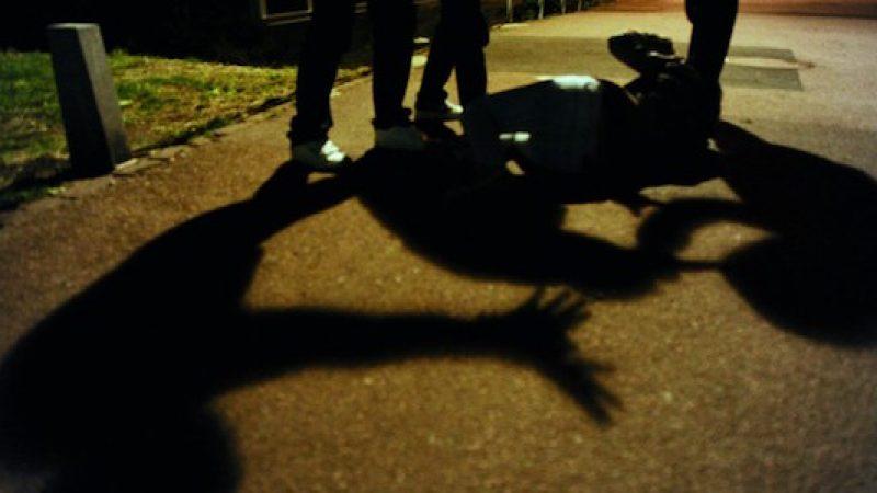 """""""Knock out game"""" ad Aviano, tre arresti   Colpivano le vittime con pugni in faccia"""