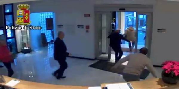 "Vercelli, rapina in una casa d&#8217;aste: 4 arresti | Le ricerche dei ladri sono durate due mesi <u><b><font color=""#343A90"">VIDEO</font></u></b>"
