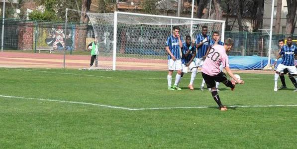 Palermo in finale al Torneo di Viareggio: sfiderà la Juventus. Spezia eliminato ai rigori