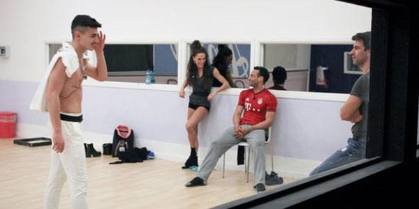 Amici 15 verso il serale: il ballerino Patrizio sceglie la Squadra Blu, Michele in crisi