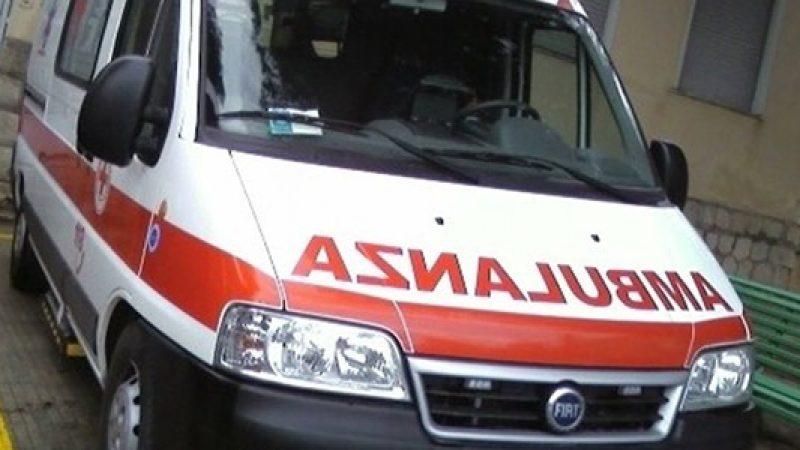 Napoli, operaio cade da un'impalcatura e muore | La vittima aveva 45 anni e non indossava il casco