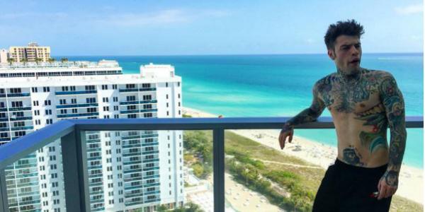 Fedez, malconcio dopo una lite, annulla il concerto…ma nel frattempo se la spassa a Miami/ FOTO e VIDEO
