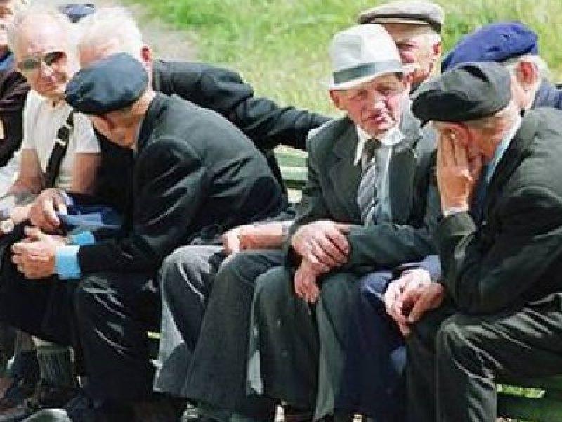 italia aspettativa di vita in calo, in calo aspettativa di vita, aspettativa di vita in calo in calo in italia, riduzione prevenzione malattire diminuisce aspettativa vita italiani