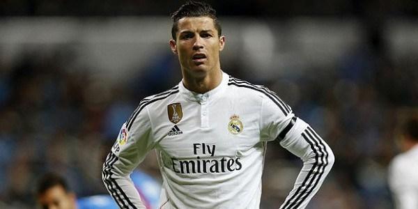 Un aeroporto per Cristiano Ronaldo: intitolato a CR7 lo scalo di Madeira. Ma quella statua… / FOTO