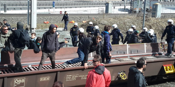 L'Austria schiera l'esercito al confine con l'Italia | Convocato alla Farnesina l'ambasciatore Pollitzer