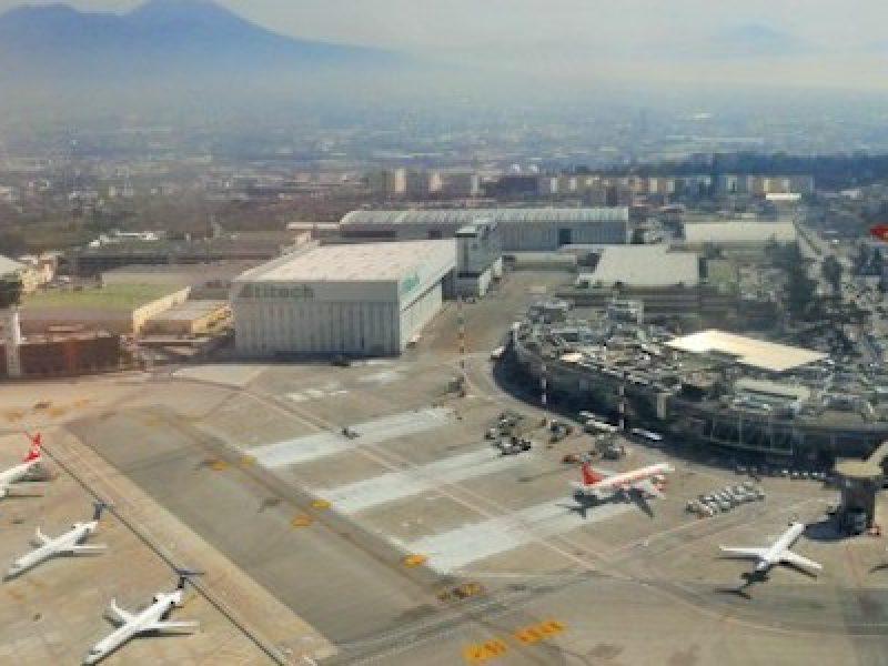 Aereo Privato Napoli : Napoli paura all aeroporto di capodichino un jet