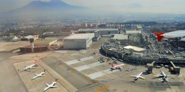 Aereo Privato Veneto Banca : Napoli paura all aeroporto di capodichino un jet