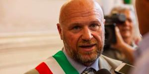 Livorno, il sindaco Nogarin è indagato |L'accusa è di concorso in omicidio colposo