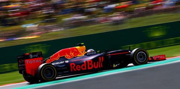 """Formula 1, Verstappen attacca: """"Derubato dalla decisione"""""""