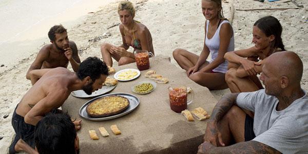 Isola dei Famosi, si festeggia il compleanno di Jonas Berami