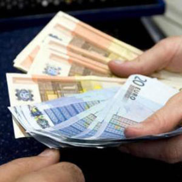 Stipendi, il primato spetta a Bolzano con 1.500 euro