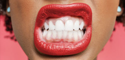 un-miliardo-di-batteri-in-un-solo-dente-i-dentisti-evitate-cure-fai-da-te