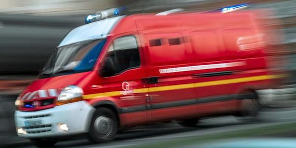 Treno italiano deraglia in Svizzera: i passeggeri sono intrappolati