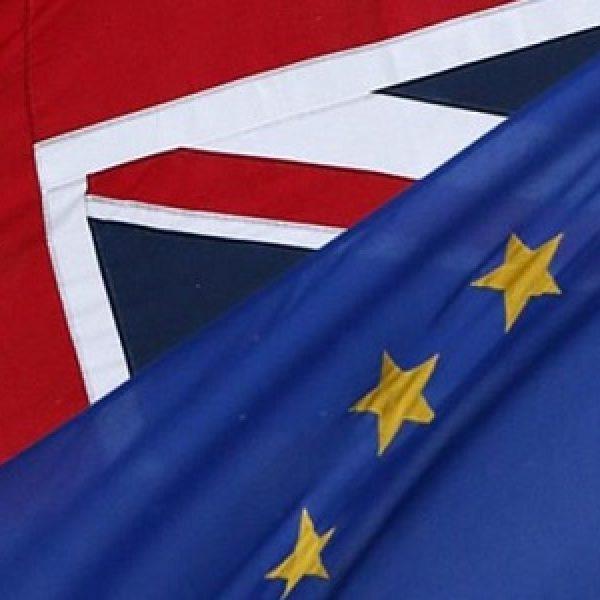 Brexit, tra Londra e Bruxelles è