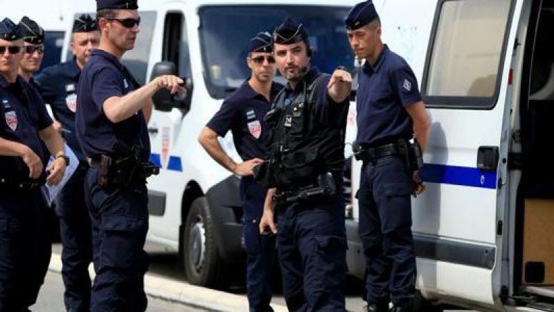 Francia, assalta un supermercato con il coltello: fermata