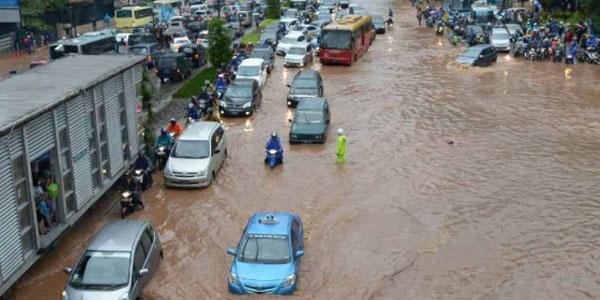 Indonesia, aumenta il bilancio delle vittime | L'alluvione e le frane distruggono interi villaggi