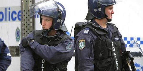 Sparatoria a Melbourne, si temono numerosi feriti