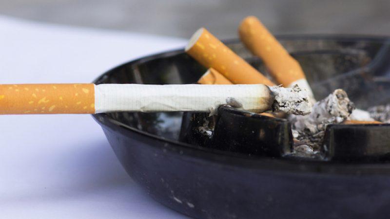 Vaticano, lotta al fumo: singolare scelta del Papa |Vietata la vendita di sigarette ai propri dipendenti