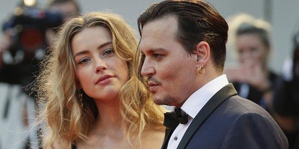 """Johnny Depp contro la moglie Amber Heard """"Mi ha spento una sigaretta in faccia"""""""