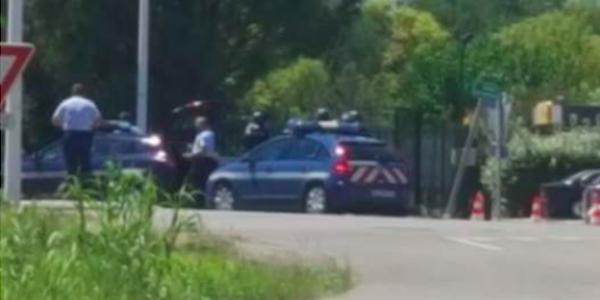 L'uomo armato barricato in un hotel a Bollène, vicino a Avignone