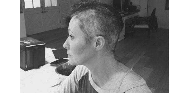 Shannen Doherty annuncia che il suo cancro è finalmente in remissione