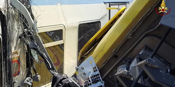 Disastro ferroviario, arrivano i primi nomi nel registro degli indagati