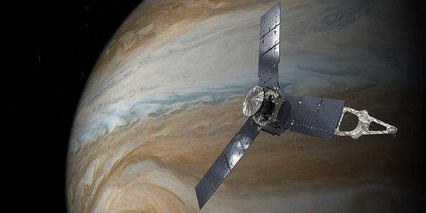 La sonda Juno è entrata nell'orbita di Giove |Mai un veicolo è stato così vicino al pianeta