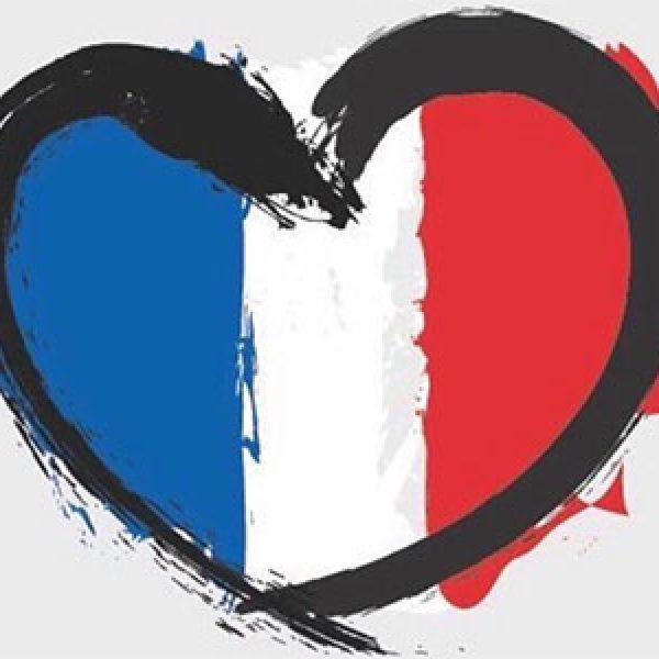 Dopo la strage è subito #PrayForNice /FOTO| Il popolo dei social si stringe attorno a Nizza