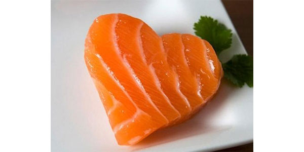 Oli, frutta secca, semi e salmone: gli alimenti che