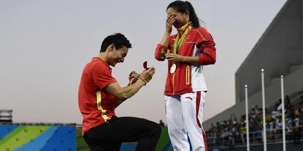 La proposta di matrimonio tra tuffatori cinesi a Rio 2016