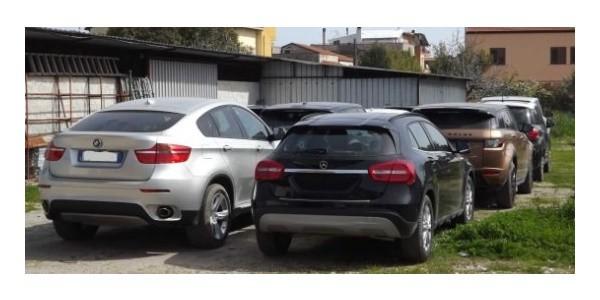 Ricettazione di auto di lusso: sette persone arrestate dalla Stradale