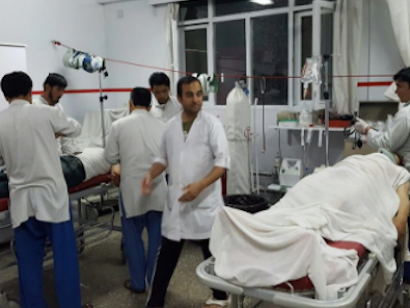 attentato afghanistan, attentato Jalalabad, autobomba afghanistan, jalalabad, morti Afghanistan, morti Jalalabad